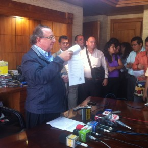 alvaro_noboa_press_conference_on_the_future_of_the_ecuadorian_banana_industry_june_27_2012 (11)