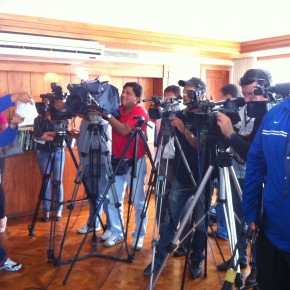 alvaro_noboa_press_conference_on_the_future_of_the_ecuadorian_banana_industry_june_27_2012 (8)