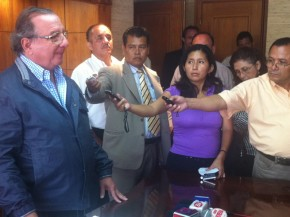 alvaro_noboa_press_conference_on_the_future_of_the_ecuadorian_banana_industry_june_27_2012