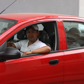 Christian Yugcha winning Chevrolet Aveo Family, drawn by Industrial Molinera.