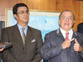 Luis-Morales-Alvaro-Noboa