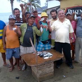Alvaro Noboa - Hablando con los comerciantes