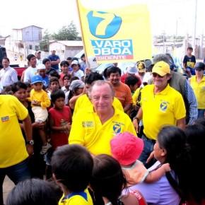 Álvaro Noboa Recorre La Provincia de Santa Elena