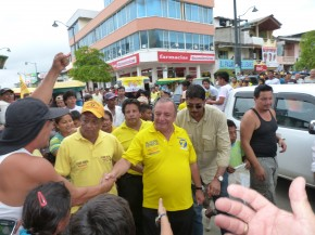 6 Álvaro Noboa and Assemblymen of PRIAn in Pedernales