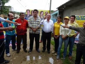 3 lvaro Noboa, Alfonso Harb and Assemblymen in Flor de Bastin