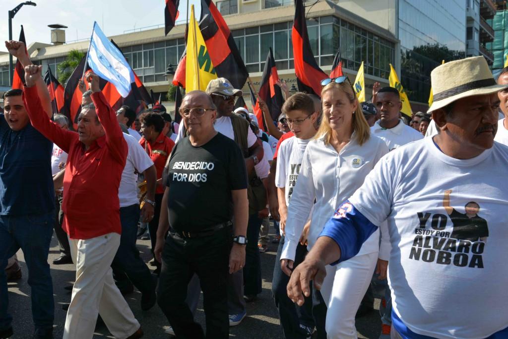 Alvaro_Noboa_Paro_Nacional_ecuadortimes.net
