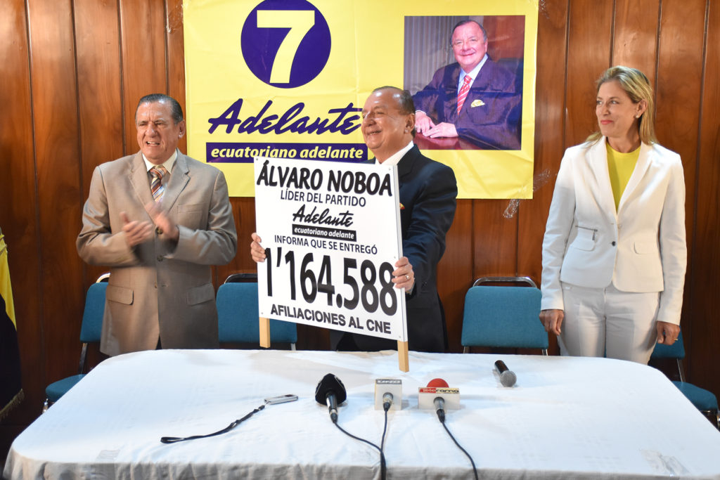 ALVARO_NOBOA_ADELANTE_ECUATORIANO_1