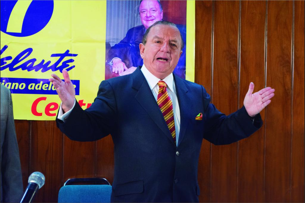 El líder del partido nacional Adelante Ecuatoriano Adelante, reveló que su organización había recolectado más firmas, que junto a las entregadas anteriormente ascendían a 1'419.616 afiliaciones.