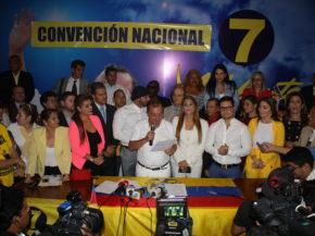 alvaro_noboa_asmbleistas_adelante_ecuatorianoi