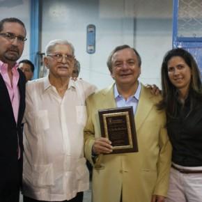 Alvaro Noboa Crab Dinner 2010 Awards