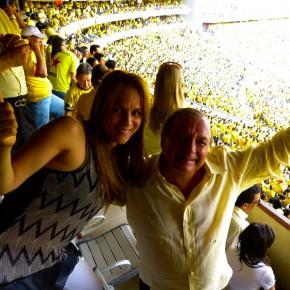 Alvaro Noboa y sylka Sanchez en el estadio monumental