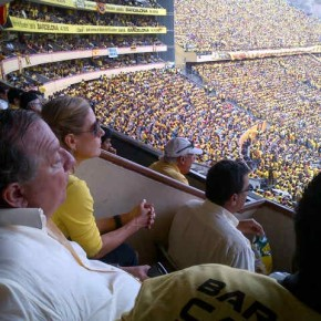 Alvaro Noboa and Annabella Azin watching the match of the championship final at the Monumental Stadium 2012 - Star 14