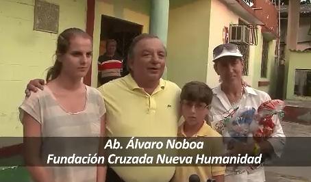 Alvaro Noboa y toda su Familia deseando Felices Fiestas