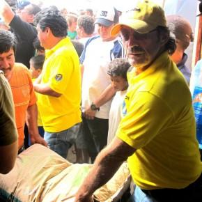 Roberto Ponce Director del PRAIN y Candidato a la Asamblea hace entrega de Materiales para la Microempresa