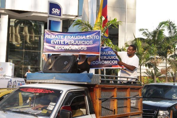 simpatizantes de alvaro noboa protestan por injusticias